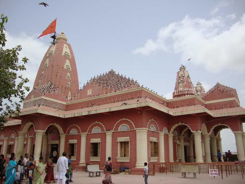 Nageshwar-Temple-Lord-Shiva-Jyotirlinga