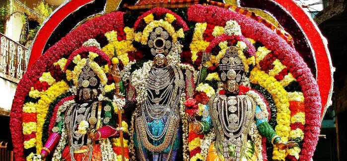 Lord Murugan - The Ever Merciful Hindu God - TemplePurohit.com
