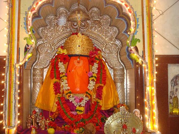 Vigneshwara Temple, Ozar