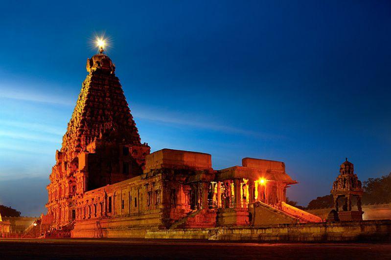 Brihadeshwara Temple Tanjore Tamil Nadu - 15 Oldest Temples of the World