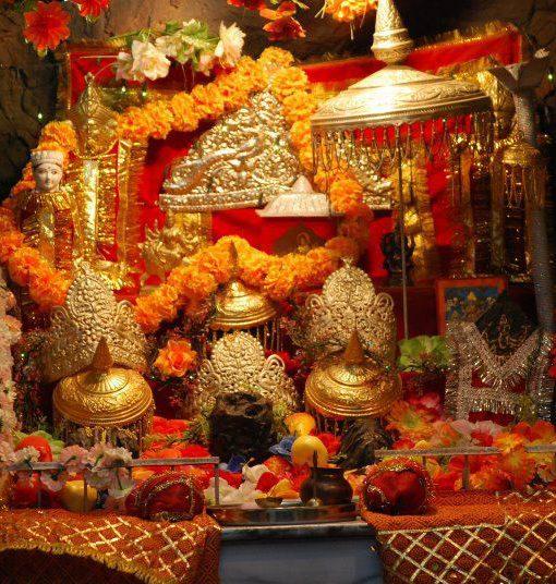 Maa Vaishnodevi Yatra with Exotic Kashmir Tour