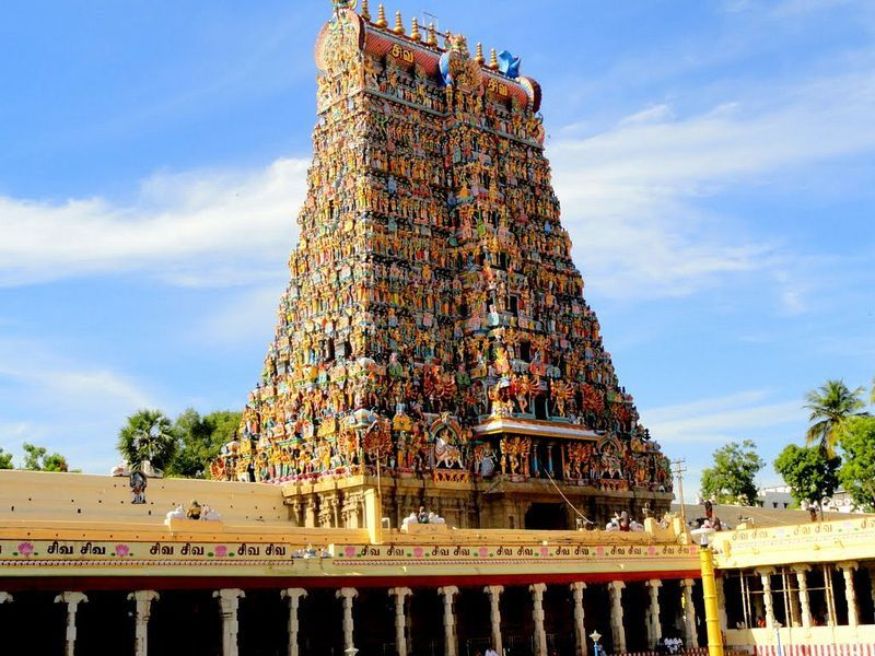 Meenakshi Amman Temple, Madurai - Photos, History, Timing ...