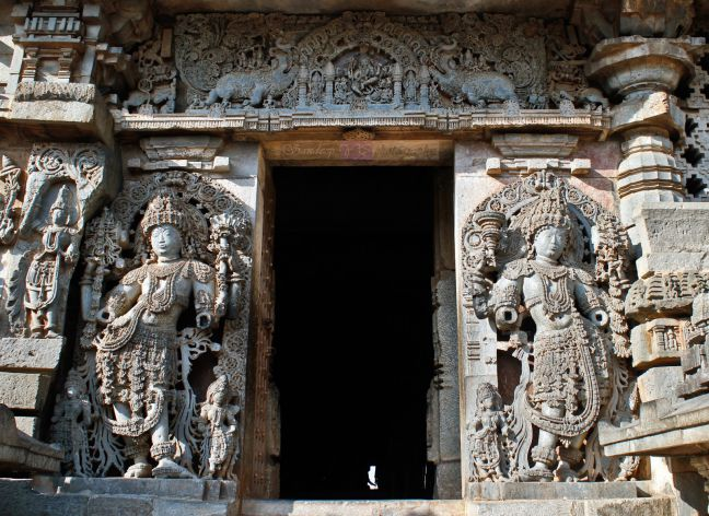 jaya and vijaya halebidu